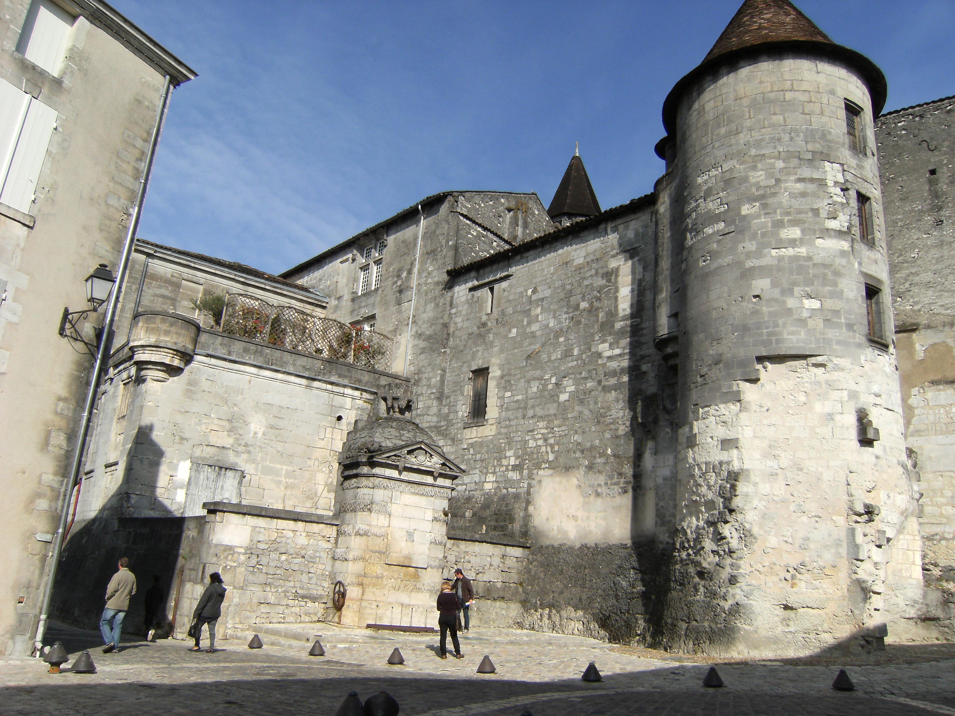 Rampe du ch teau photos de cognac for Architecte cognac