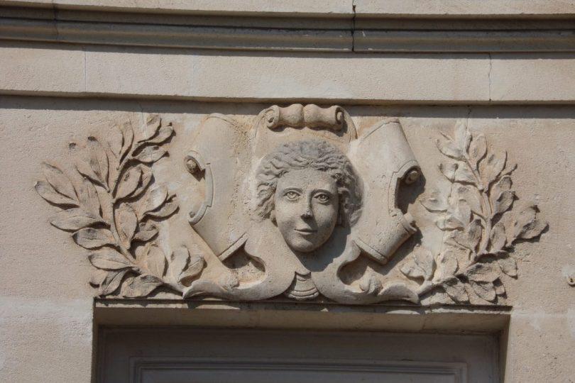 Maison, 61, rue du Champ de Foire (15 mars 2017) - détail au-dessus de la porte