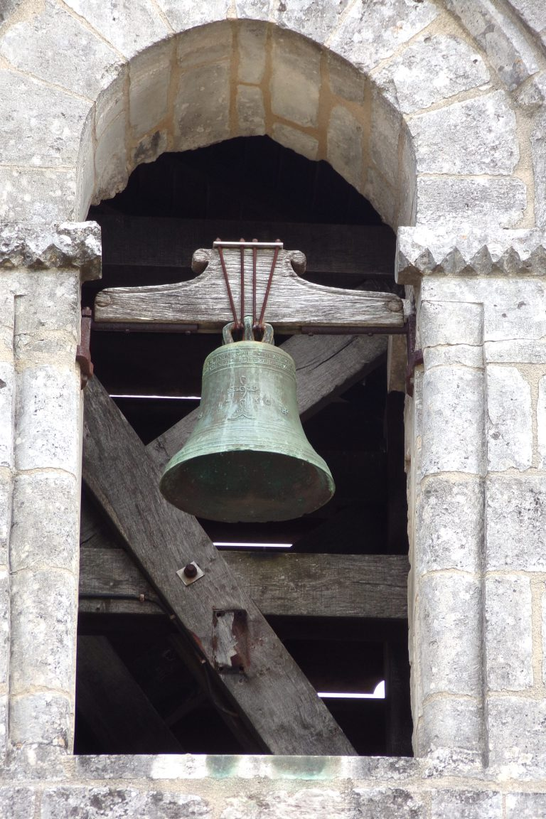 Châteaubernard - La Chapelle des Templiers - La cloche (4 avril 2017)