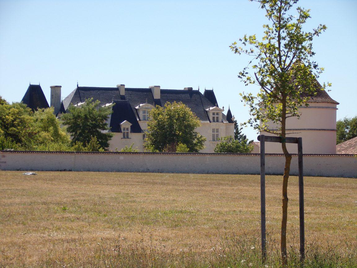 Salignac sur Charente - Le château de la Garde (22 août 2016)