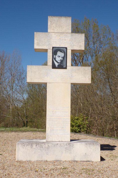 Angeac-Charente - Le mémorial Claude Bonnier - La croix de Lorraine (26 mars 2017)