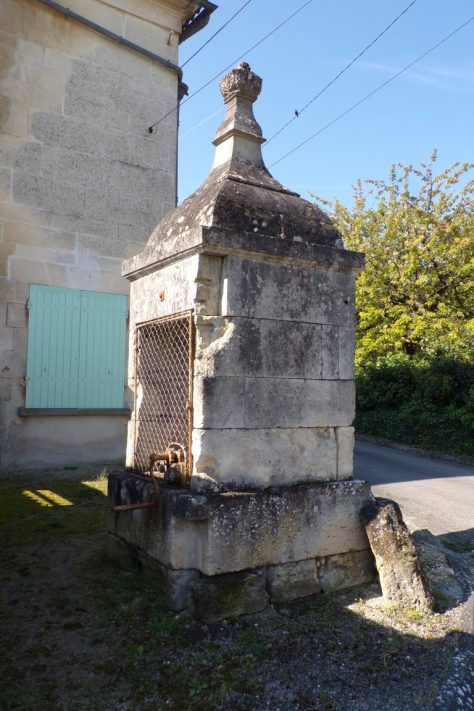 Saint-Même les Carrières - Le puits 'rue du puits' (10 avril 2017)
