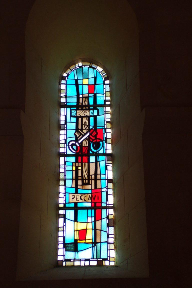Saint-Sulpice de Cognac - L'église Saint Sulpice - Le vitrail 'Peccavi' (12 avril 2017)