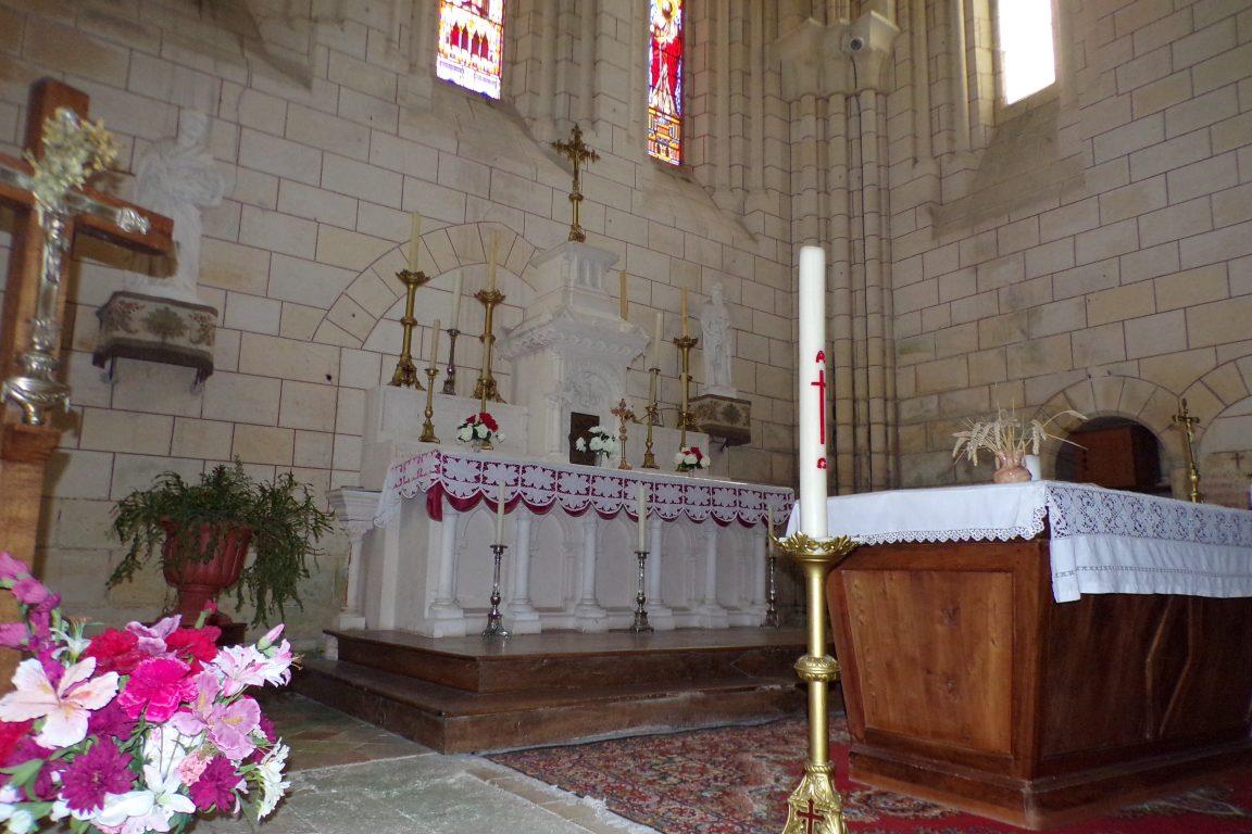 Bouteville - L'église Saint-Paul - L'autel (21 mars 2017)