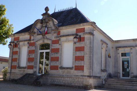 Angeac-Champagne - La mairie (7 avril 2017)