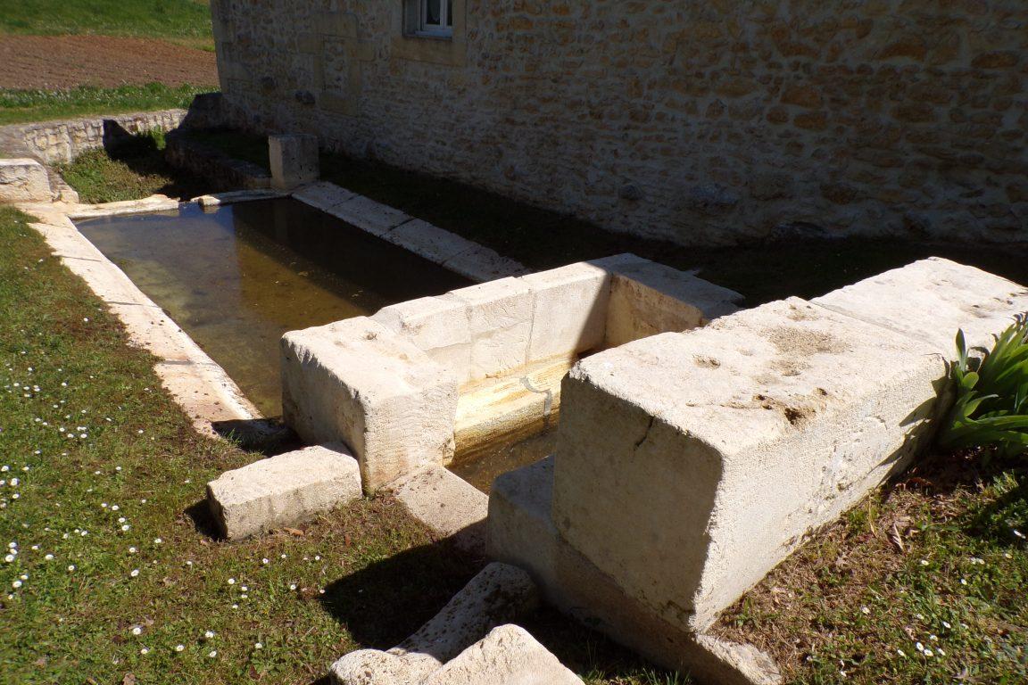 Burie - La fontaine de Berlouze (12 avril 2017)