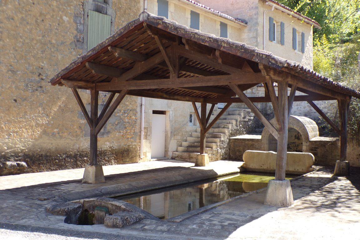 Burie - La fontaine de Pouvet (12 avril 2017)