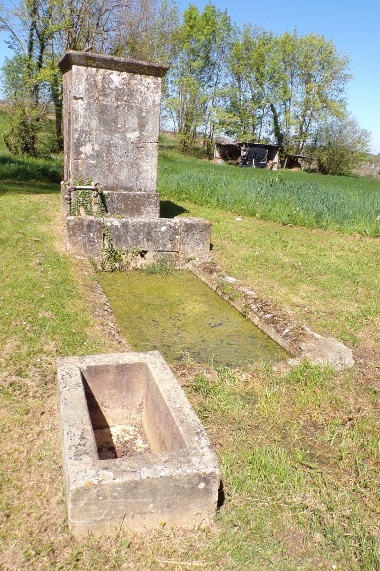 Burie - La fontaine du Puits Châton (12 avril 2017)