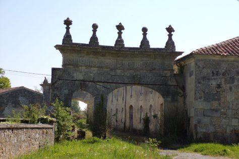 Portail de la ferme de la Motte (13 avril 2017)