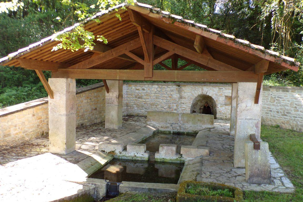 Burie - La fontaine de la Font Sabot (13 avril 2017)