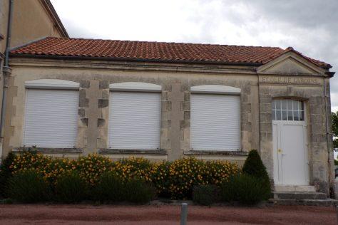 Nercillac - L'ancienne école (29 mai 2017) - Garçon