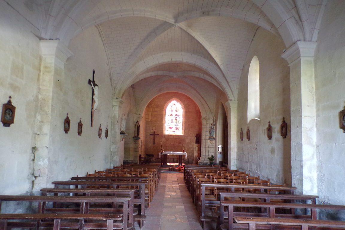 Bréville - L'église Saint-Benoît - Vue de l'entrée (27 mai 2017)