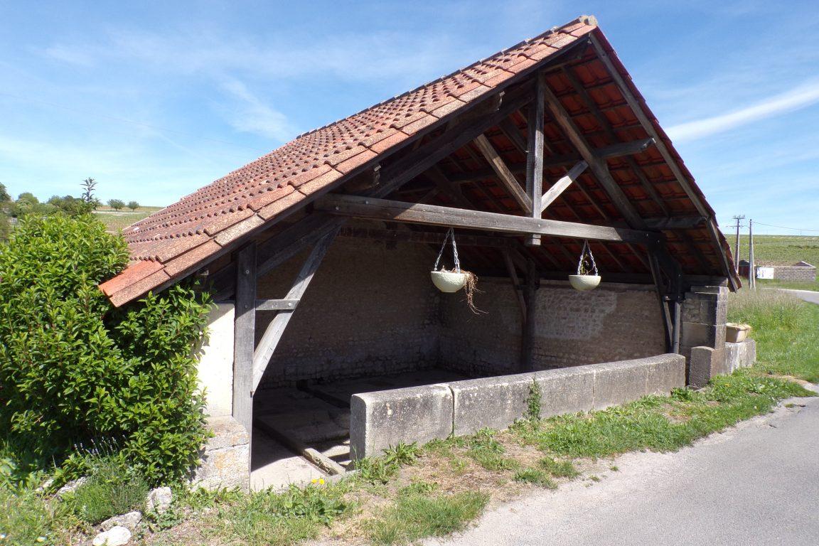 Saint-Preuil - Le lavoir Landry (15 mai 2017)