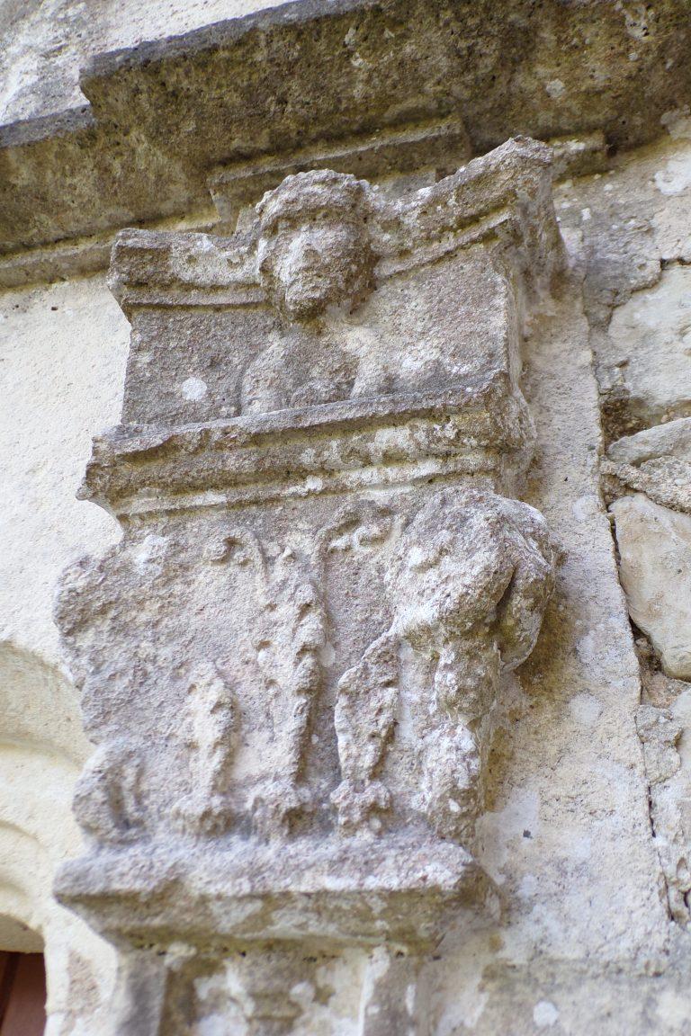 Ambleville - L'église Saint-Pierre - Un modillon (22 mai 2017)