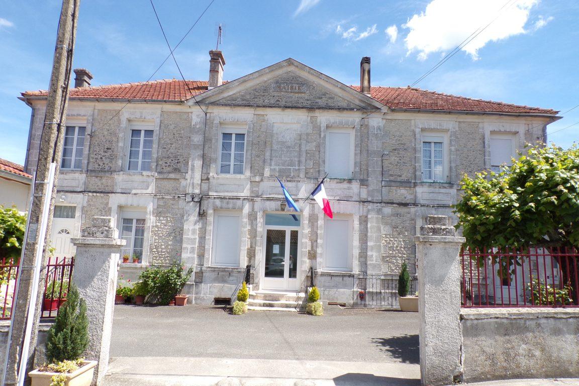 Saint-Preuil - La mairie (15 mai 2017)