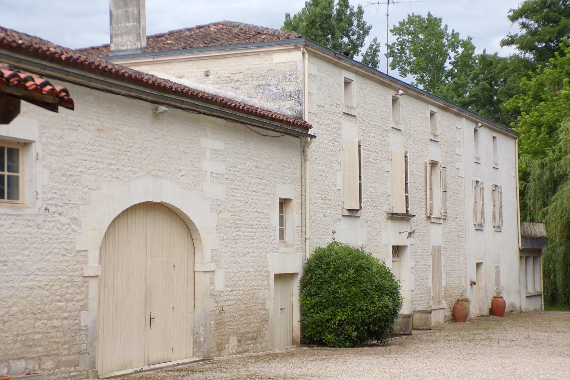 Nercillac - Le moulin - rue du Moulin (29 mai 2017)