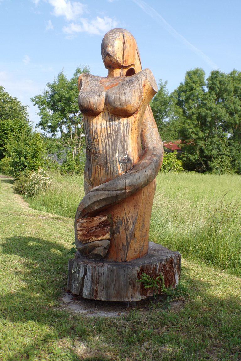 Oeuvre d'art en bois (27 mai 2017) Pudeur inavouée
