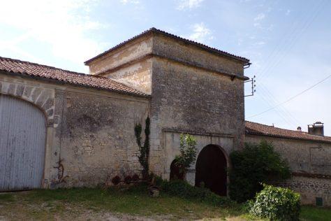 Boutiers-Saint-Trojan - Le pigeonnier à Saint-Trojan (28 mai 2017)