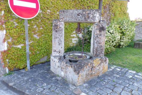 Gensac-la-Pallue - Un puits 'fictif' (8 mai 2017)