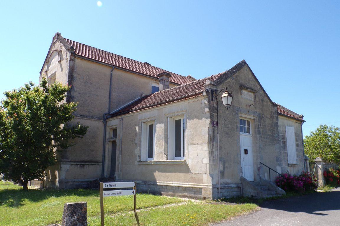Graves-Saint-Amant - L'ancienne mairie de Graves-Saint-Amant (10 juin 2017)