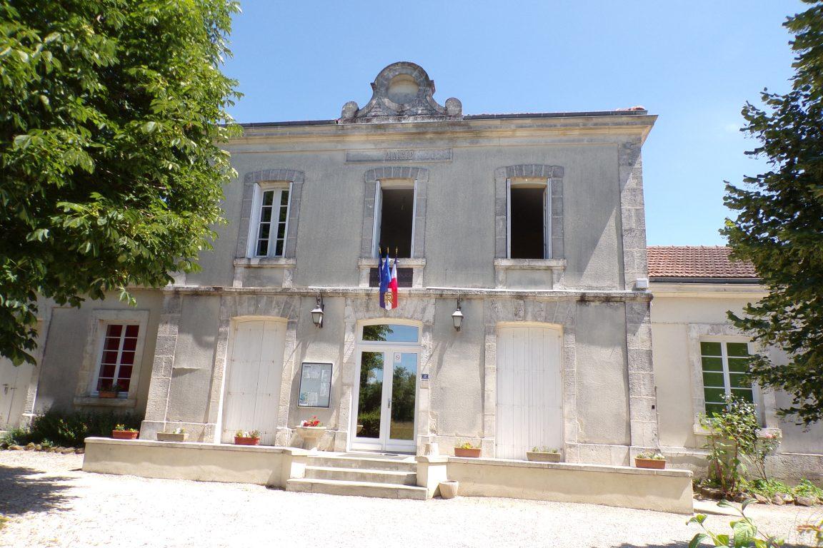 Courbillac - La mairie (12 juin 2017)