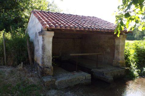 Fleurac - Le lavoir du bourg (17 juin 2017)