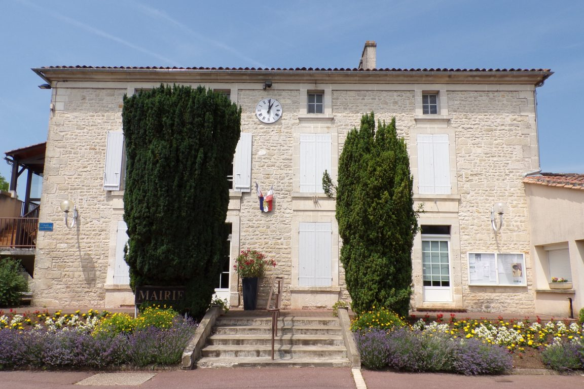 Foussignac - La mairie (15 juin 2017)