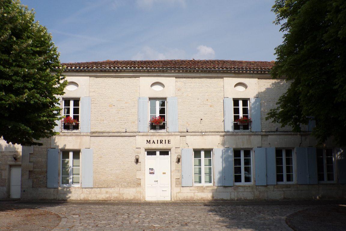 Sigogne - La mairie (15 juin 2017)