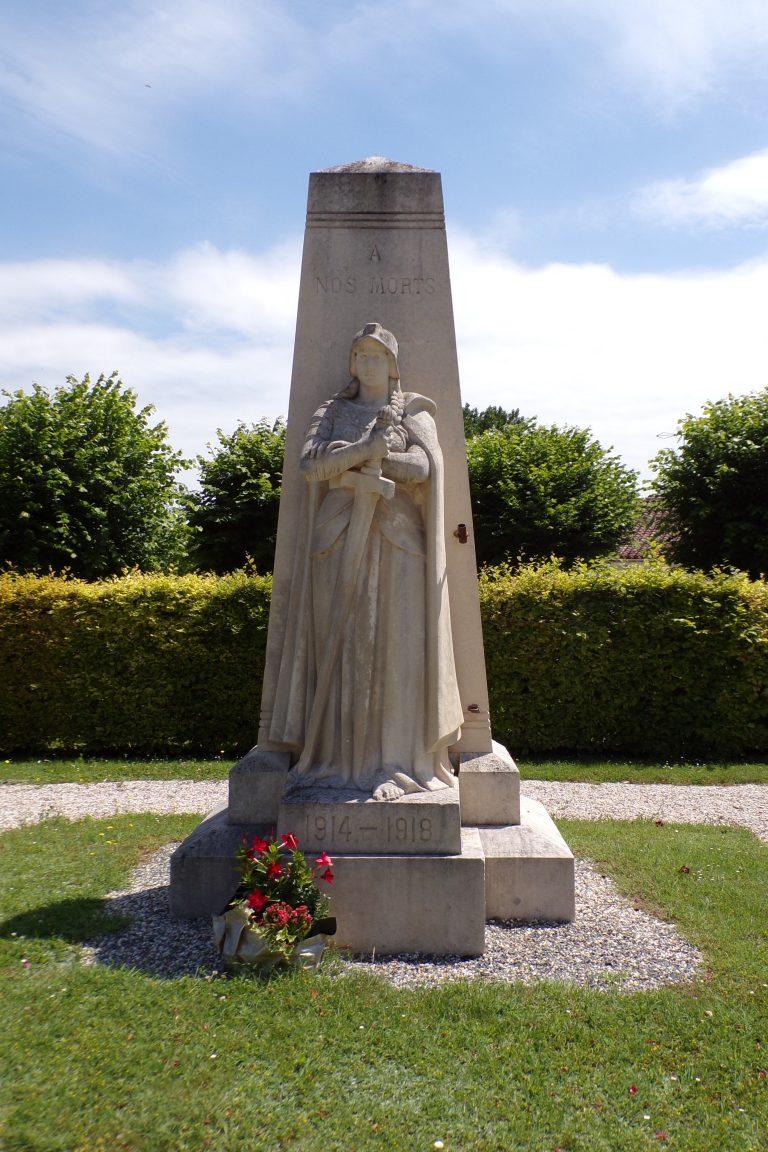 Sainte-Sévère - Le monument aux morts (12 juin 2017)