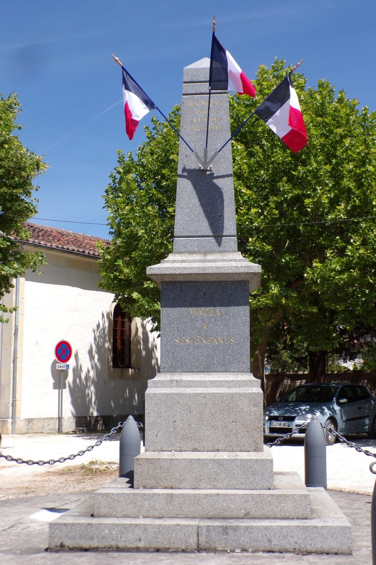 Matha - Le monument aux morts (16 juin 2017)