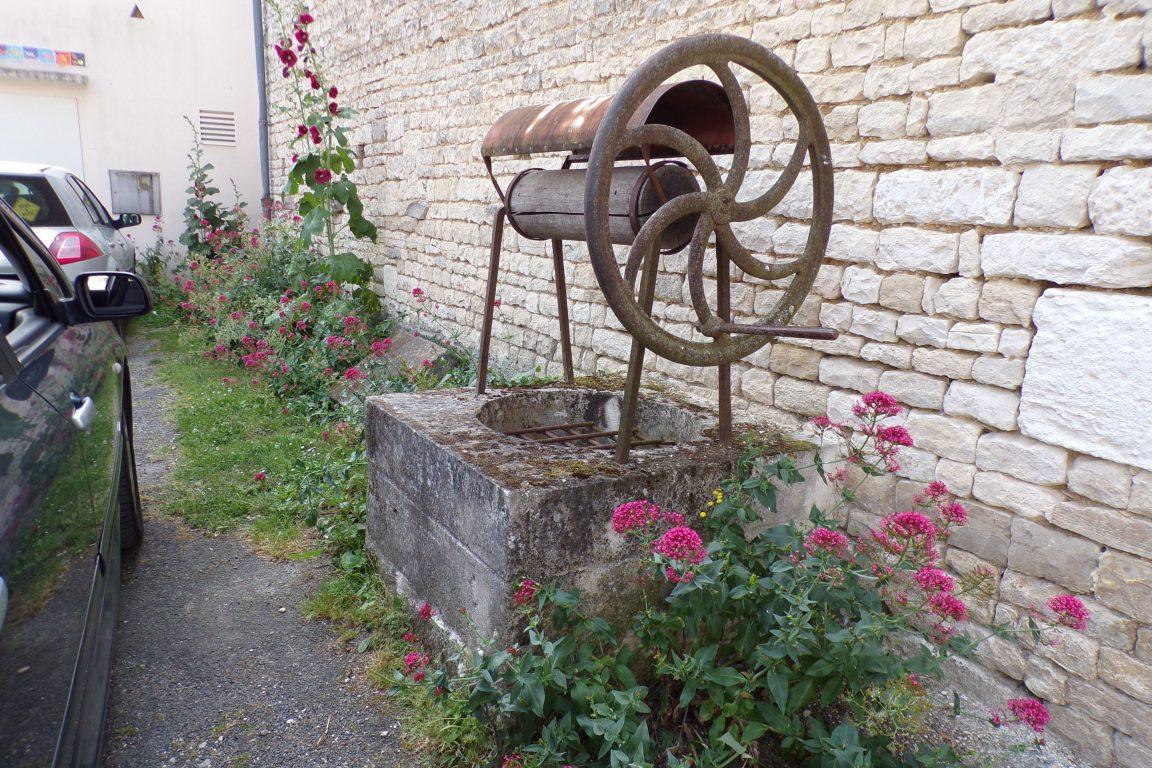 Mareuil - Un puits (15 juin 2017)