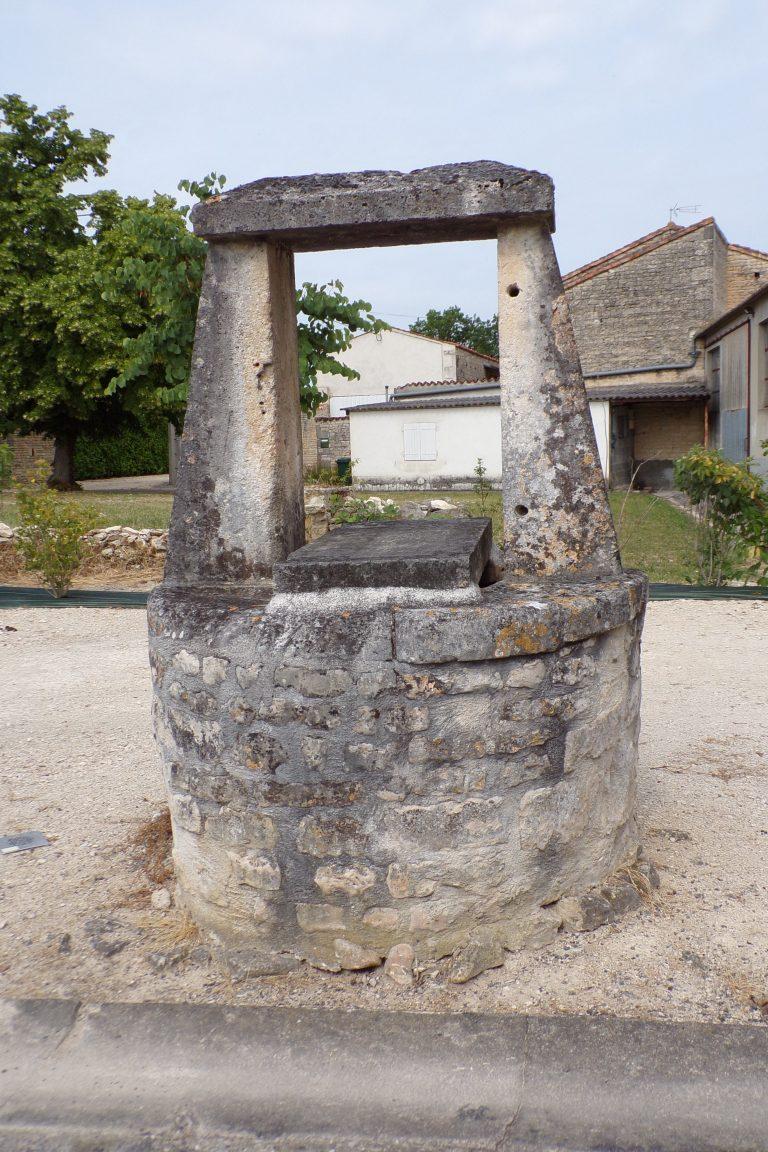 Sigogne - Le puits collectif (15 juin 2017)