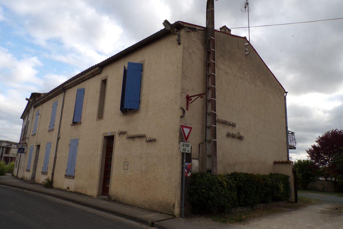 Matha - L'église Evangélique (21 juillet 2017)