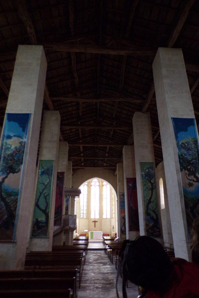 Matha - L'église Sainte-Hérie - Vue de l'entrée (21 juillet 2017)