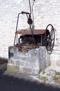 Angeac-Champagne - Le puits à côté de la ferme (1 novembre 2017)