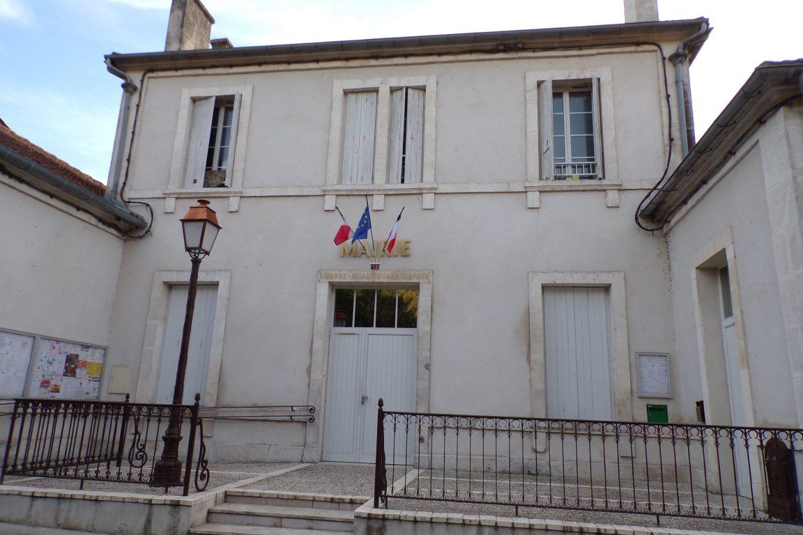 Boutteville - La mairie (1 novembre 2017)