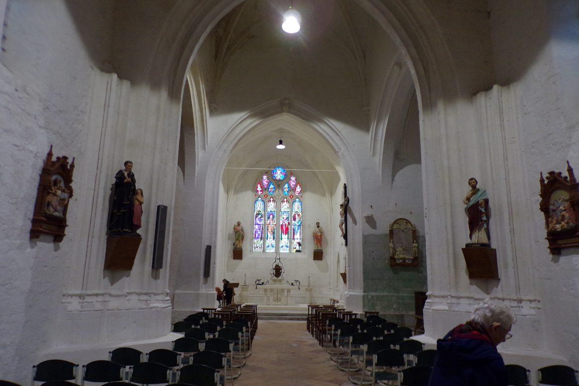 Sonnac - L'église Saint-Etienne - Vue de l'entrée (2 janvier 2018)