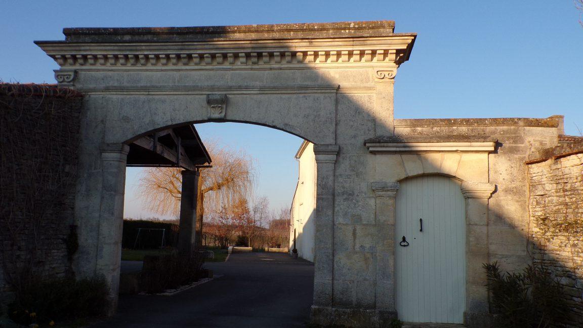 Cherves-Richemont - Le portail à Orlut - daté 1861 (27 février 2018)