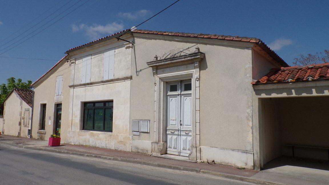 Boutiers-Saint-Trojan - L'ancienne mairie (23 avril 2018)