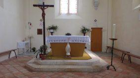 Boutiers - L'église Saint-Antoine - L'autel (23 avril 2018)