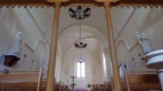 Boutiers - L'église Saint-Antoine - Vue de l'entrée (23 avril 2018)