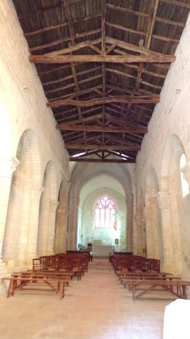 Macqueville - L'église Saint-Etienne - Vue de l'entrée (27 avril 2018)