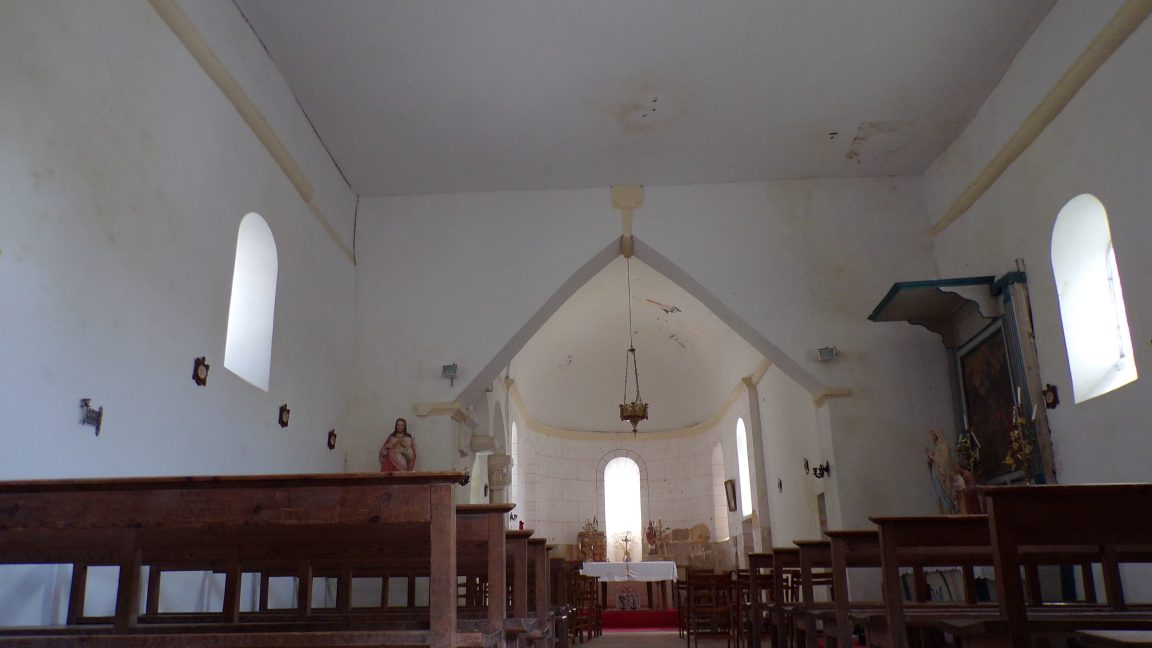 Boutiers-Saint-Trojan - L'église Saint-Trojan - Vue de l'entrée (23 avril 2018)