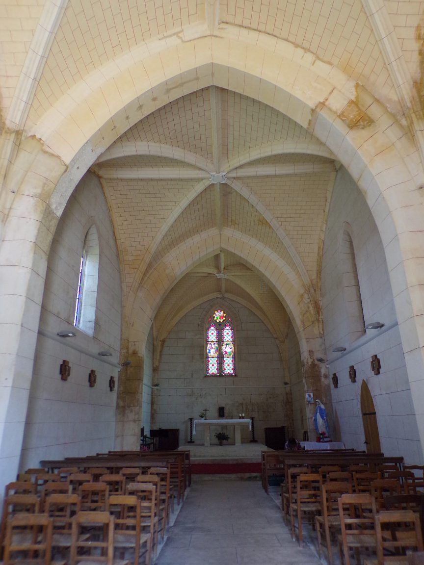 Mainxe - L'église Saint-Maurice - Vue de l'entrée (7 mai 2018)