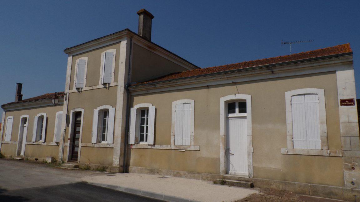 Graves-Saint-Amant - L'ancienne école (5 mai 2018)