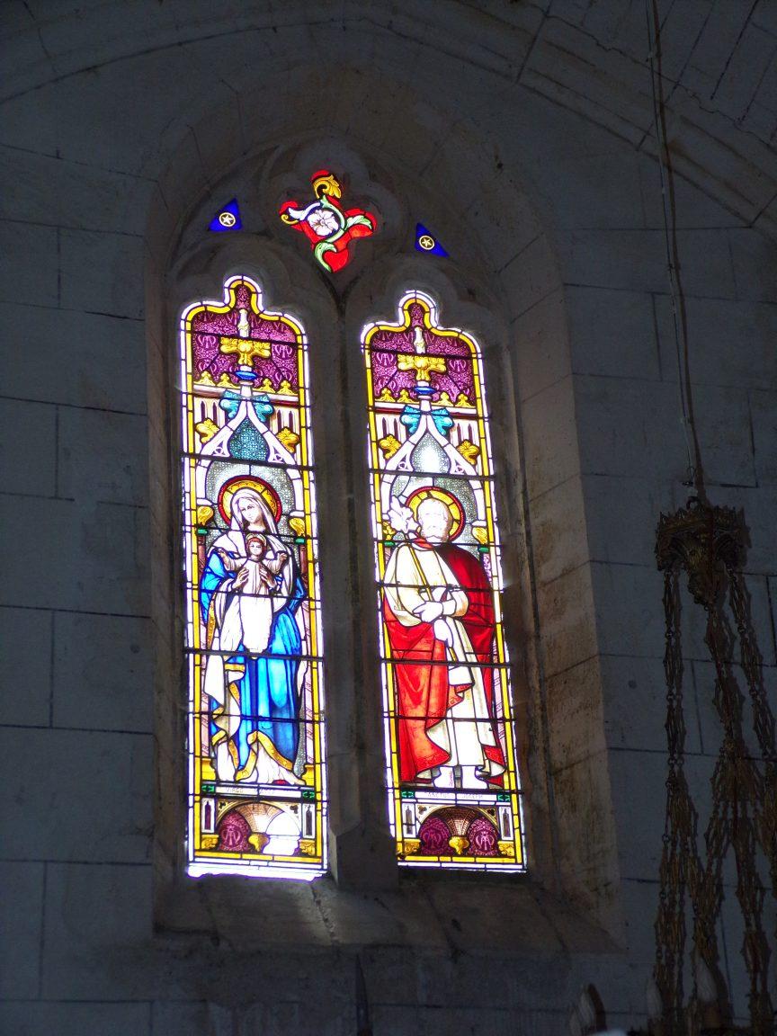 Verrières - L'église Saint-Palais - Le vitrail 'Virgo mater, Saint Joseph' (7 mai 2018)