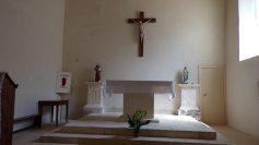Vibrac - L'église Saint-Pierre - L'autel (5 mai 2018)