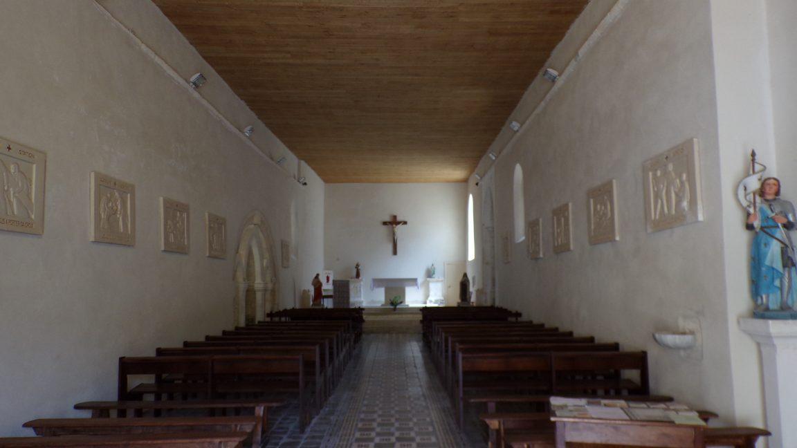 Vibrac - L'église Saint-Pierre - Vue de l'entrée (5 mai 2018)