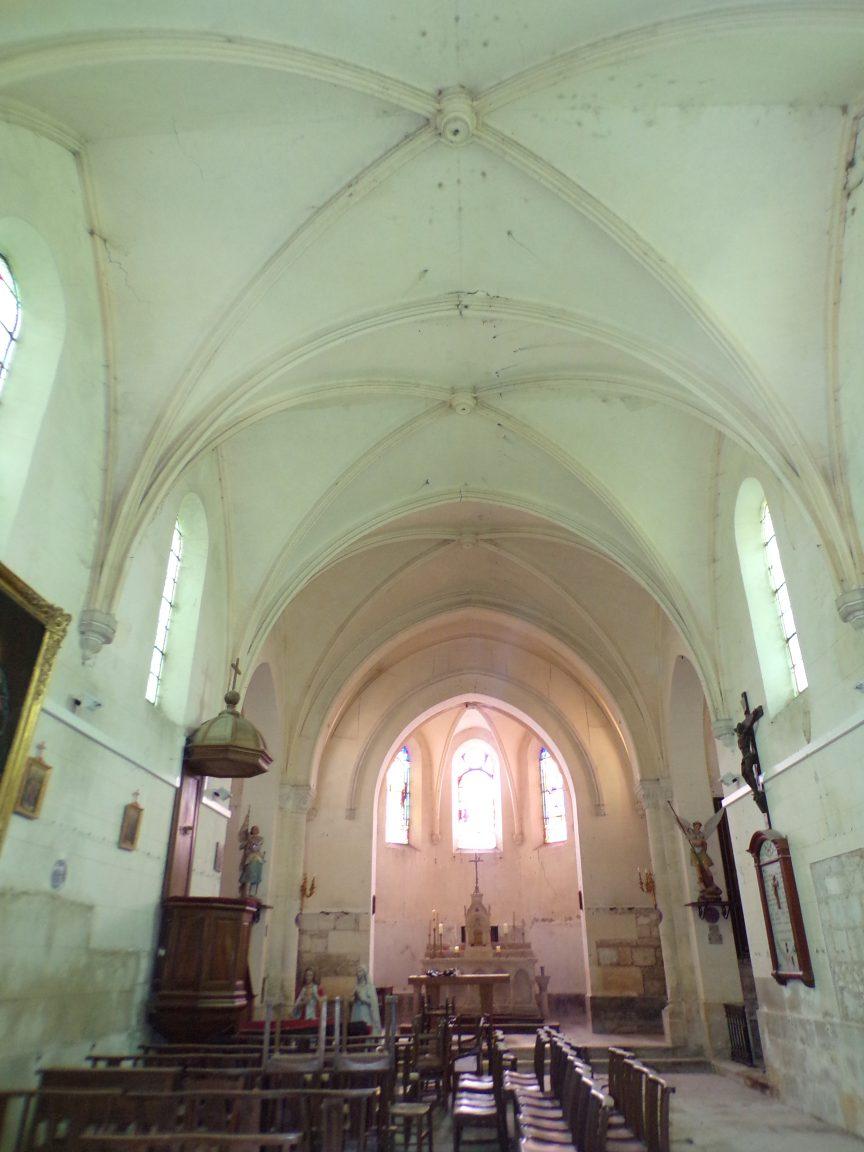 Brives sur Charente - L'église Saint-Etienne - Vue de la porte d'entrée (27 juin 2018)