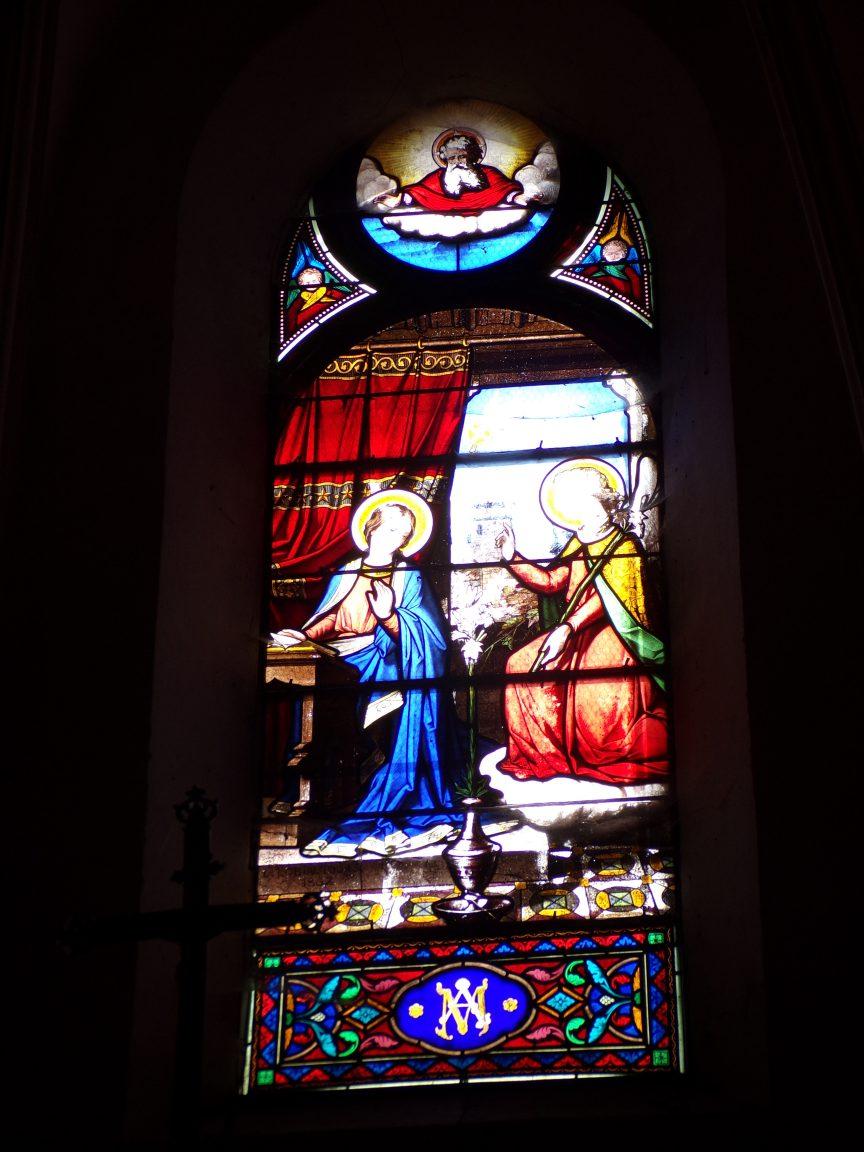 Brives sur Charente - L'église Saint-Etienne - Un vitrail (27 juin 2018)